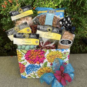 Mom's Munchies Gift Basket