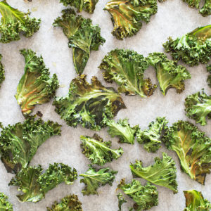 baked curly kale chips